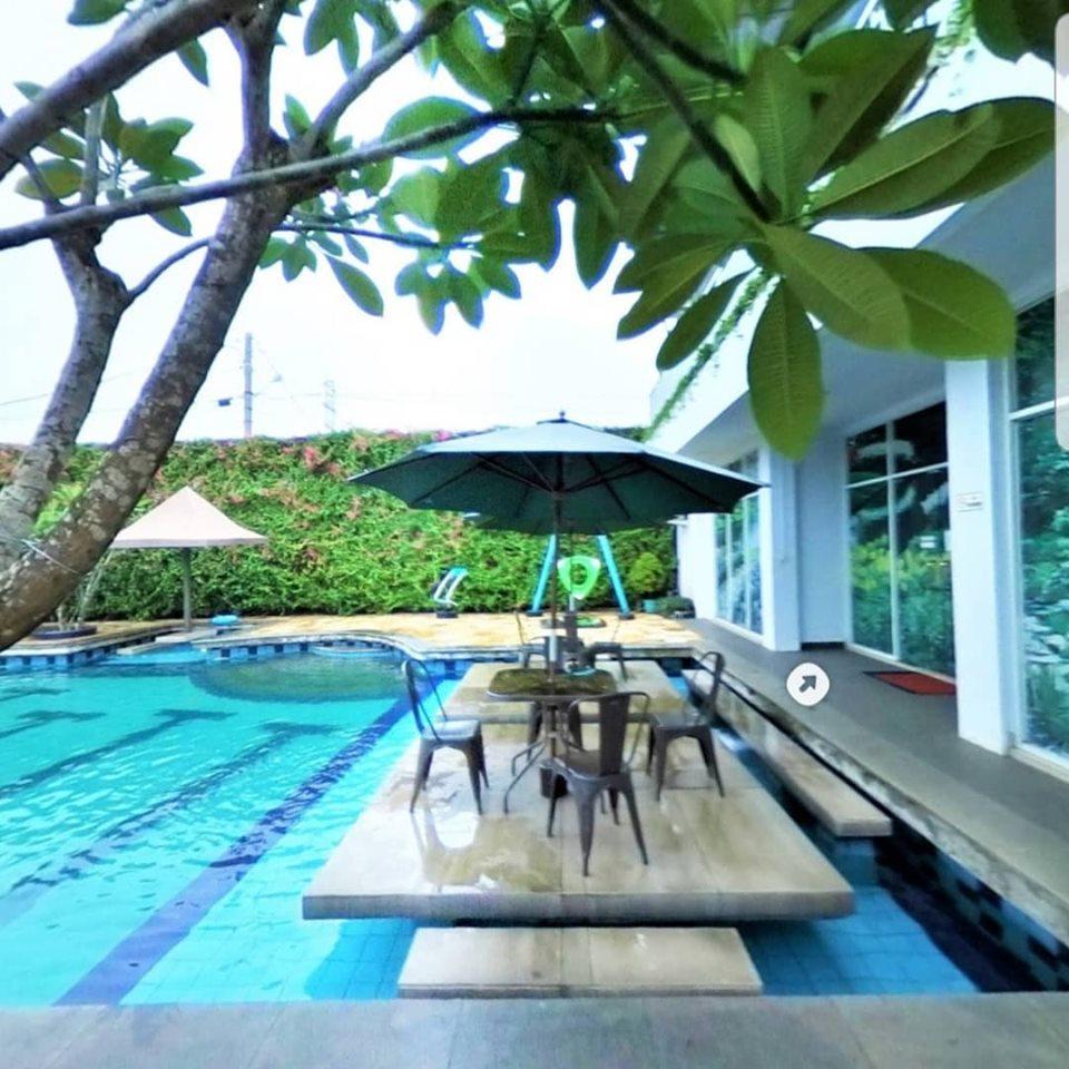 kolam renang Binong 1 Residence